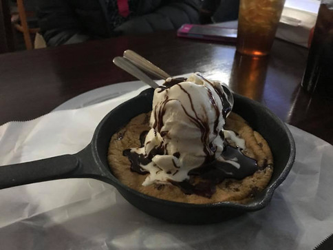 SKILLET COOKIE W ICECREAM