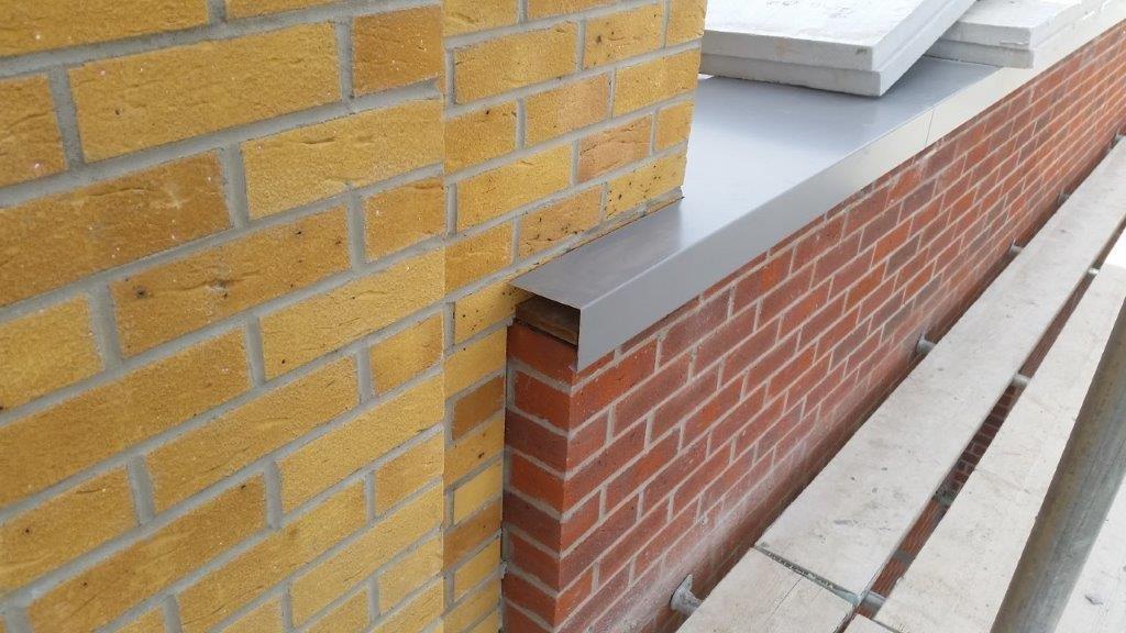 Aluminium coping corner