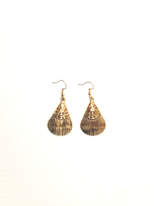 Suzie Shell Earrings Gold