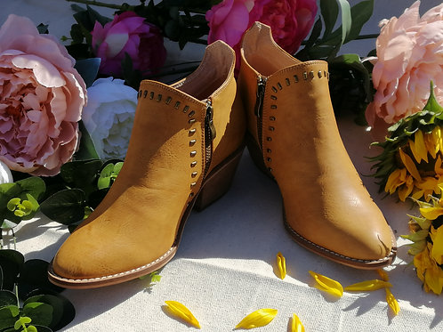 Dwyer Ankle Boots