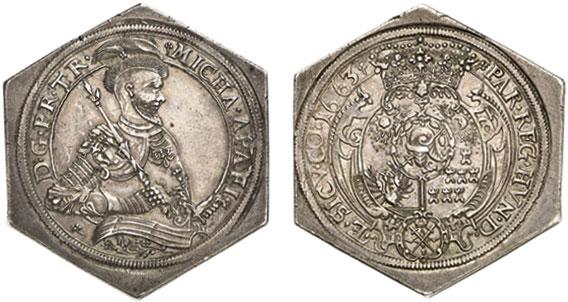 Nr. 1267: SIEBENBÜRGEN. Michael Apafi (1661–1690). Sechseckige Reichstalerklippe 1663, Arx Fogaras. Äußerst selten. Vorzüglich. Taxe: 30 000,– Euro