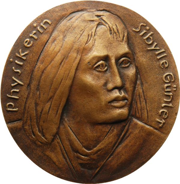 """Sonja Eschefeld, Medaille """"Physikerin Sibylle Günter"""", 2017, Bronze, Ø 90 mm, Avers"""