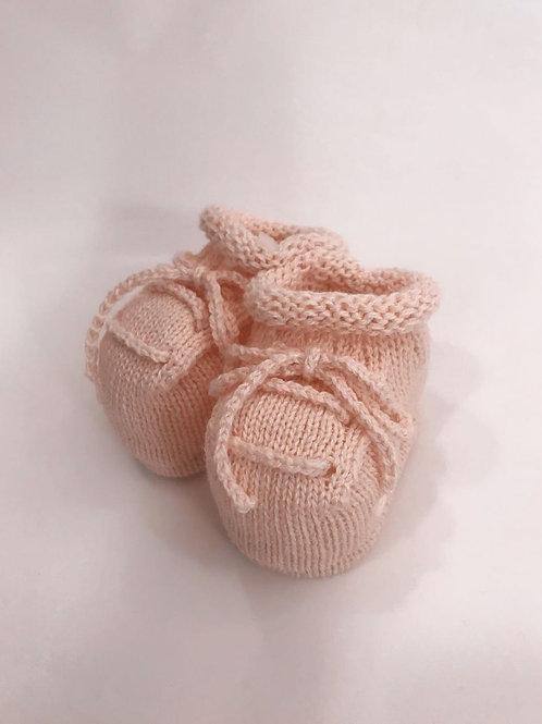 Tênis de tricot rosa bebê