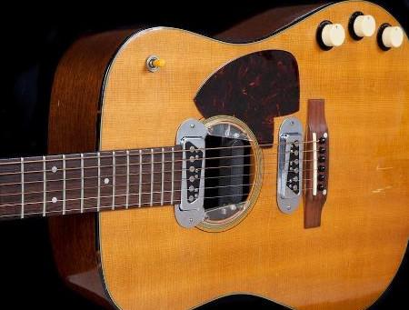 Violão de Kurt Cobain usado em gravação do Nirvana é leiloado por US$ 6 milhões