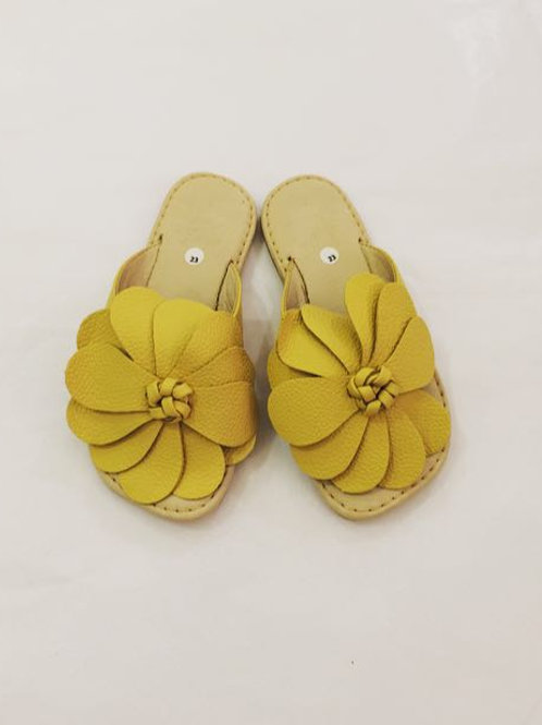 Sandália flor amarela