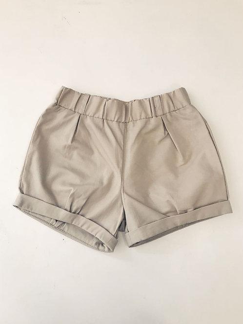 Shorts  bege botões