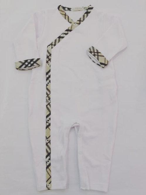 Macacão suedine branco e xadrez sem pé