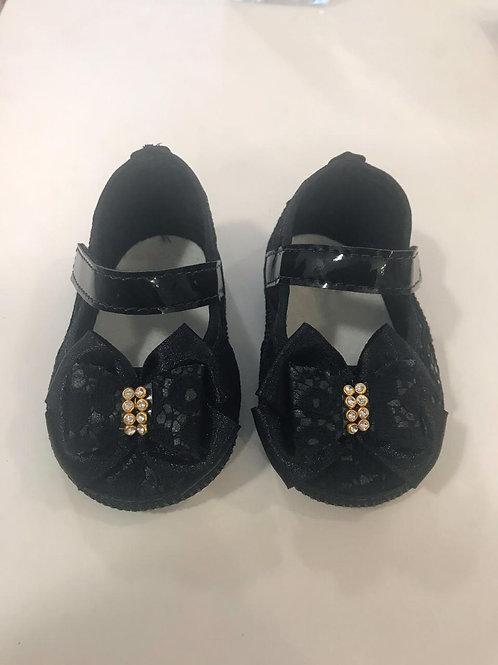 Sapato renda preto com laço e strass