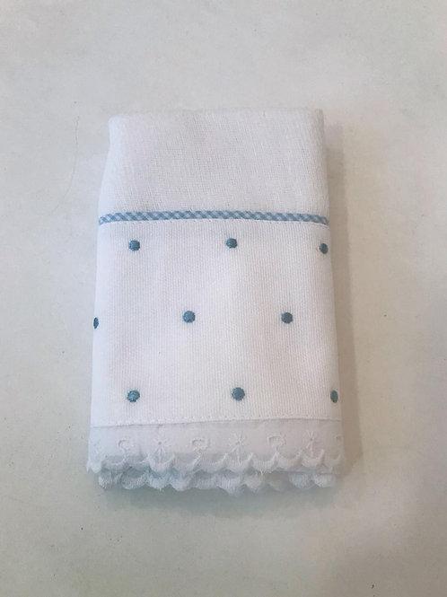 Fralda de ombro poá azul bebê
