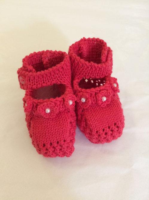 Sapatinho de tricot coral