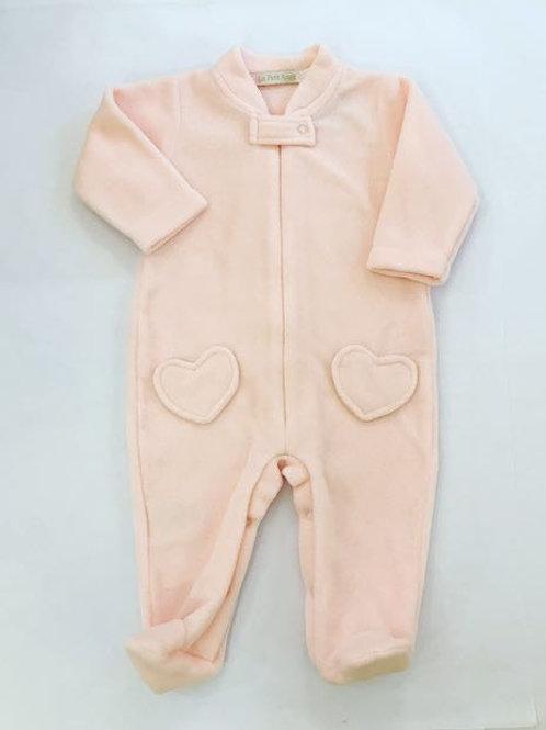 Macacão soft rosa coração