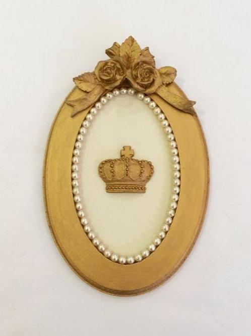 Quadro P oval coroa dourada