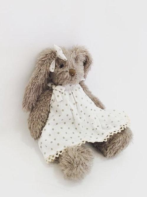 Coelha cinza P vestido poá