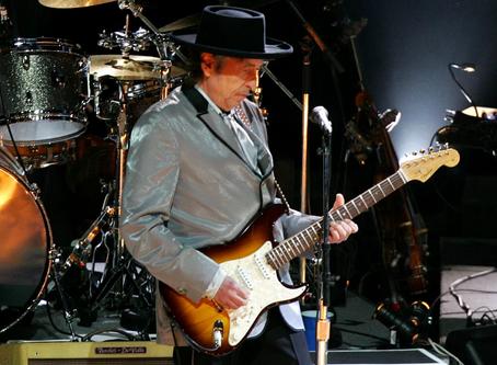 Bob Dylan lança álbum após hiato de 8 anos; ouça 'Rough and Rowdy Ways'
