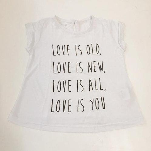 Camiseta feminina Love is