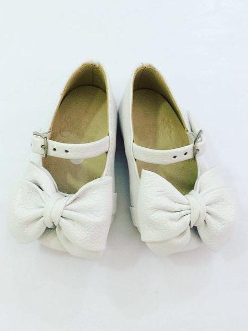 Sapato branco laço boneca