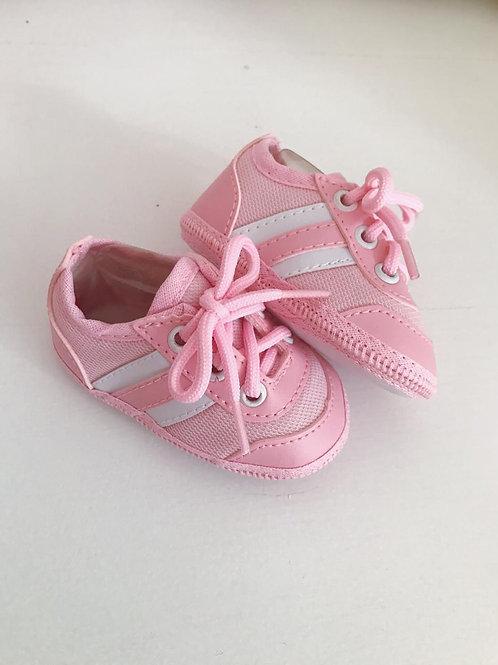 Tênis estilo Adidas rosa bebê e branco