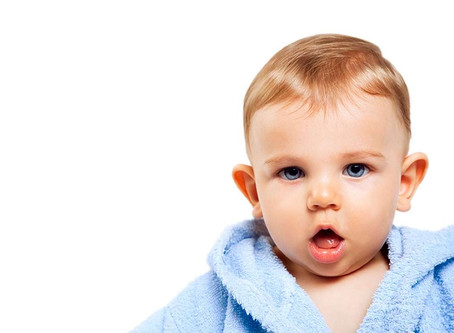 Como uma técnica simples resolve orelha de abano do bebê