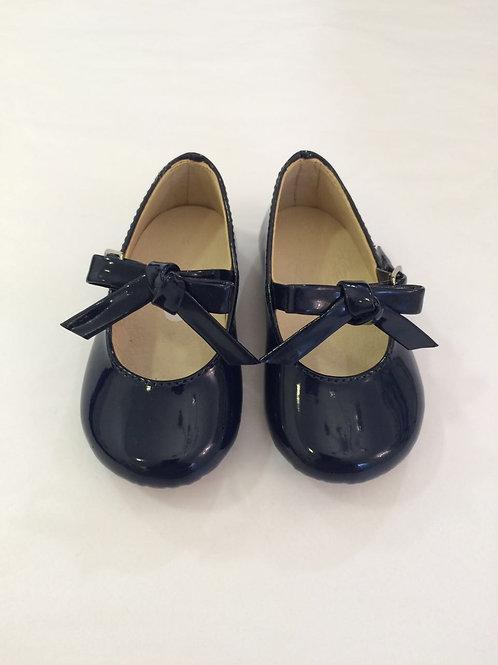 Sapato marinho de verniz