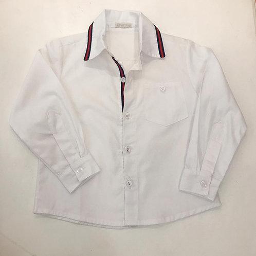 Camisa branca com fita