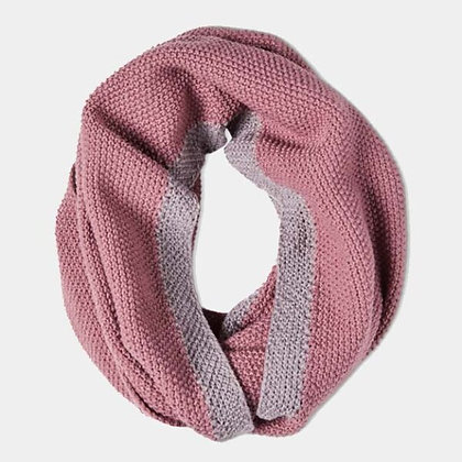 Soft Moss Stitch Knitted Snood - Dusky Mauve - Quintessential Cambridge