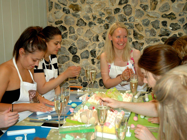 Hen Parties cupcake decorating