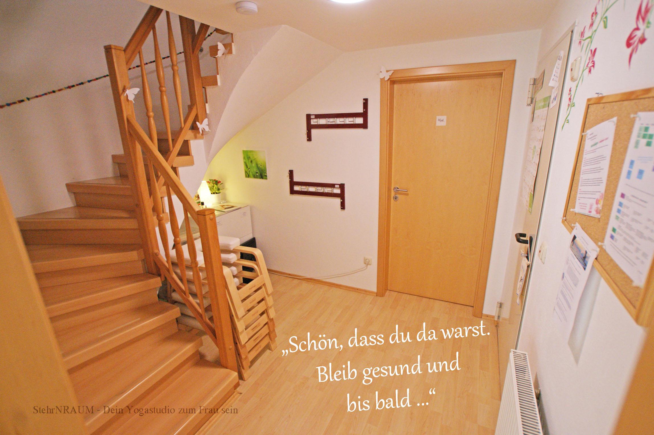12 DSC05979 Garderobe_Abschied