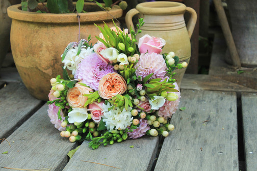 colourfulbouquet_rosalineflowers_redhill