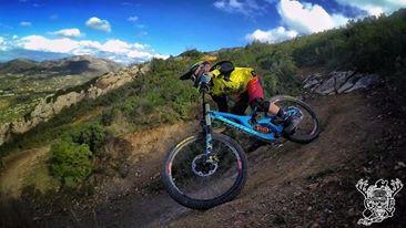 Alex Topkaroglou SantaCruz V10 rider.jpg