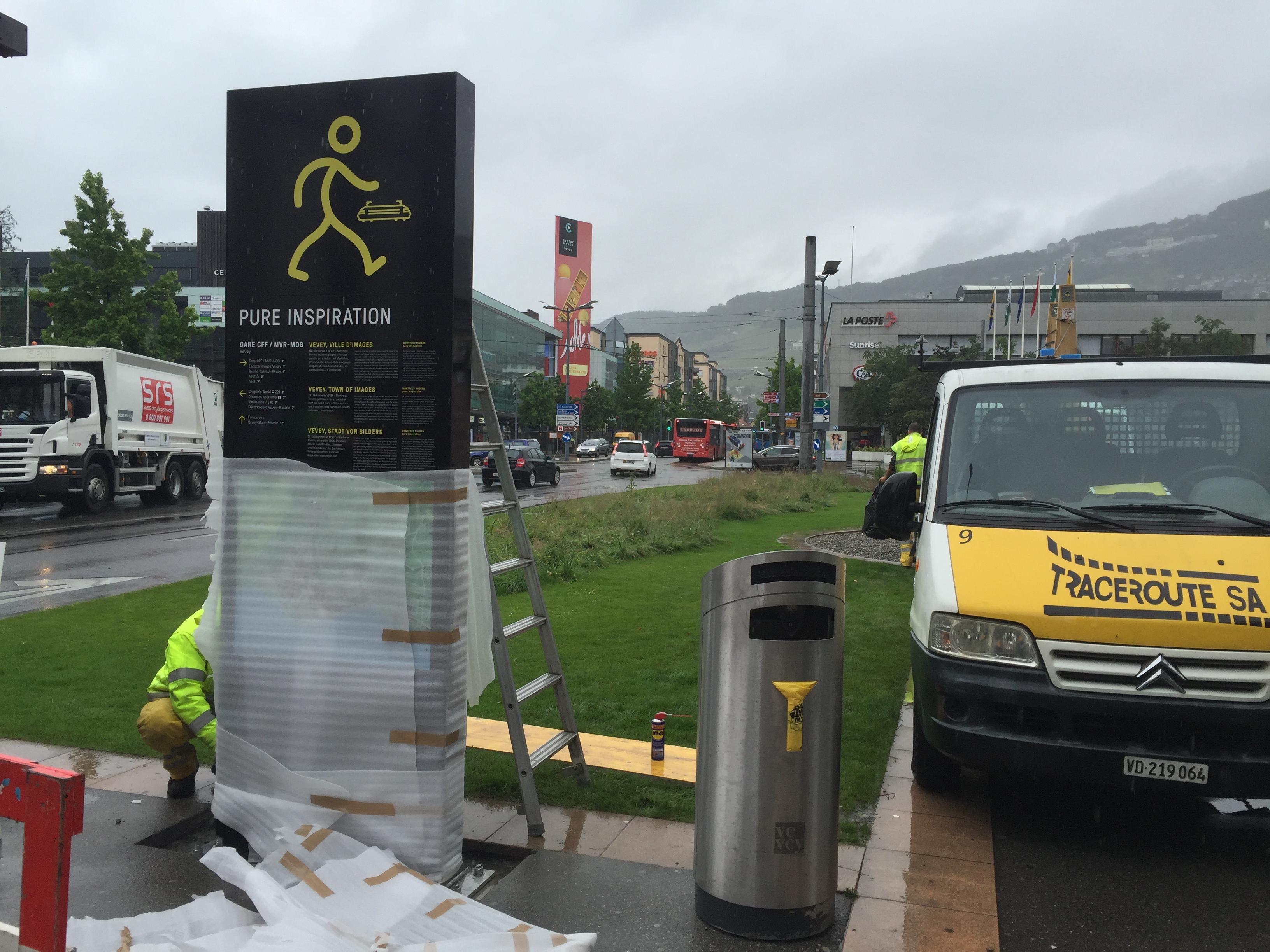 Installation panneau de signalisatio