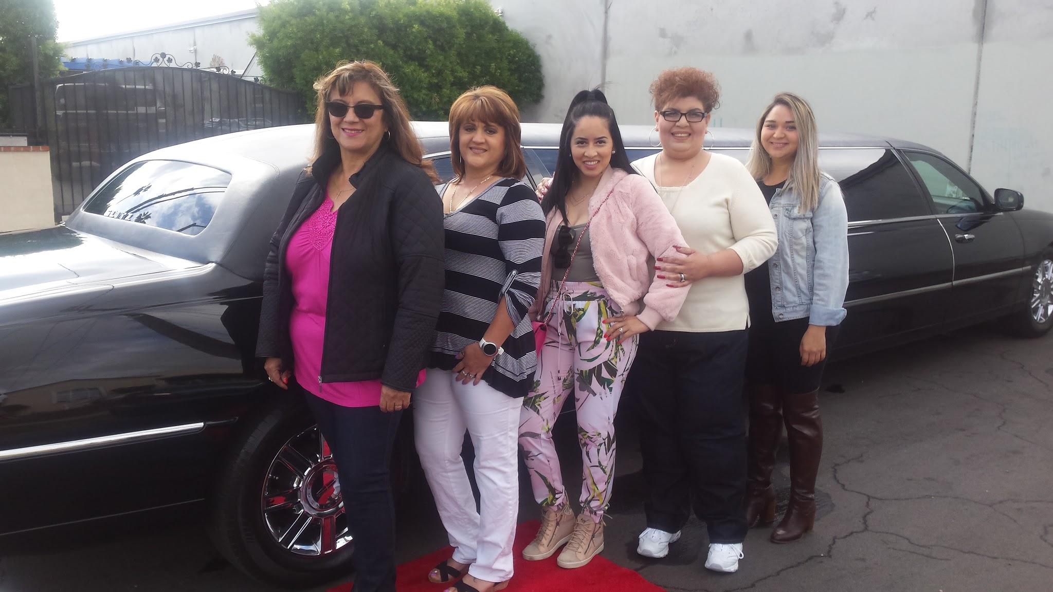glitz_limousines_guests59
