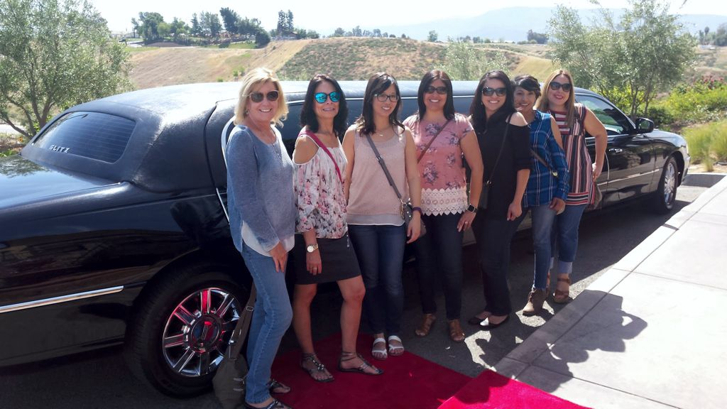 glitz_limousines_guests56