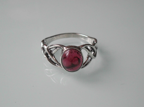 925 Sterling Silver Ladies Celtic Ring set with a Garnet Stone - sizes J