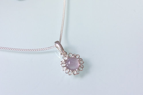 925 Sterling Silver and Amethyst Cabochon Dainty Daisy Necklace