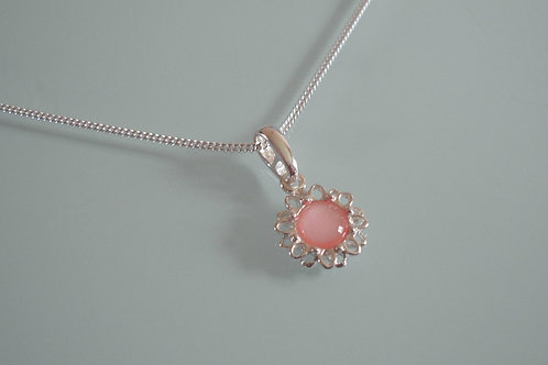 925 Sterling Silver and Pink Mother of Pearl Cabochon Dainty Daisy Necklace