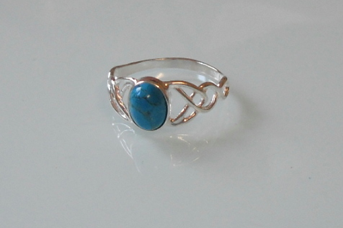 925 Sterling Silver Ladies Celtic Ring set with a Turquoise Stone - sizes J - R
