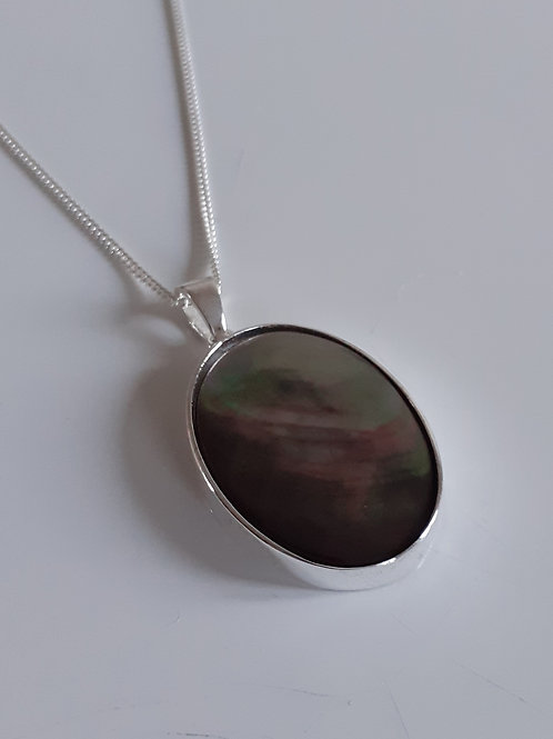 925 Sterling Silver Plain 25 x 18mm Black Lip Mother of Pearl Necklace