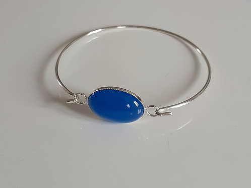 925 Sterling Silver bangle with a milled edge Link with an 18x13mm Blue Agate