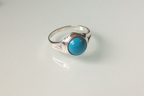 925 sterling silver ring set with an 8mm Turquoise cabochon stone