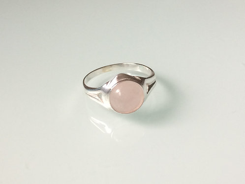 925 sterling silver ring set with an 8mm Rose Quartz onyx cabochon stone sizes