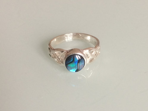 925 Sterling Silver Ladies Celtic Ring set with a 6mm Blue Abalone sizes