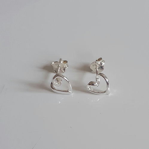 925 Sterling Silver Ribbon Heart Stud Earrings