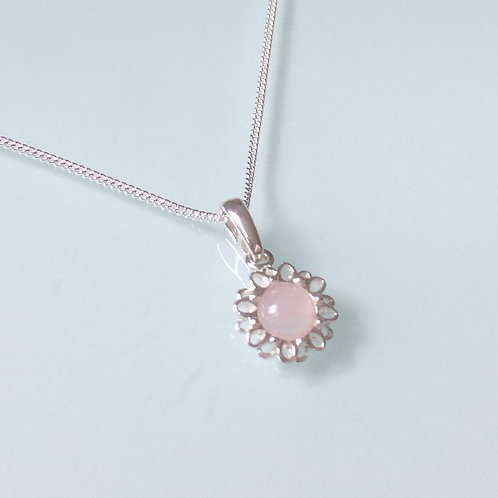 925 Sterling Silver and Rose Quartz Cabochon Dainty Daisy Necklace