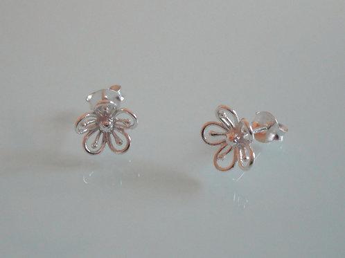 925 Sterling Silver Delicate Flower Stud Earrings