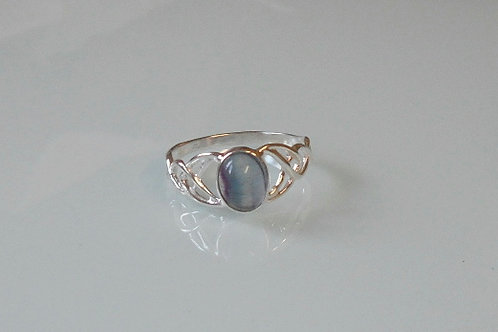925 Sterling Silver Ladies Celtic Ring set with a Fluorite Stone - sizes J - R