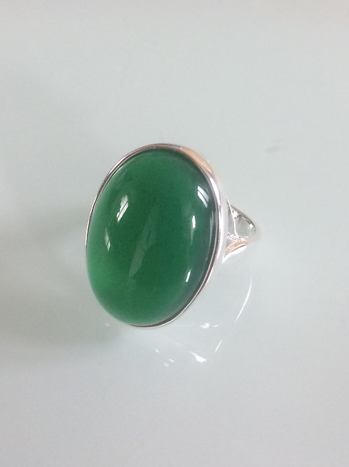 Sterling Silver Large Oval Ring Set With a Green Agate Cabochon Sizes L - R