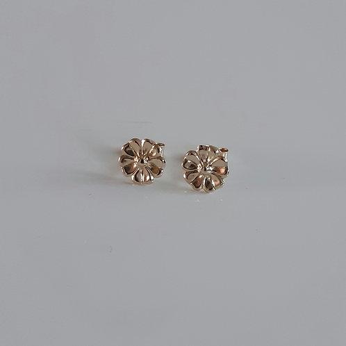 9ct Gold small flower stud earrings