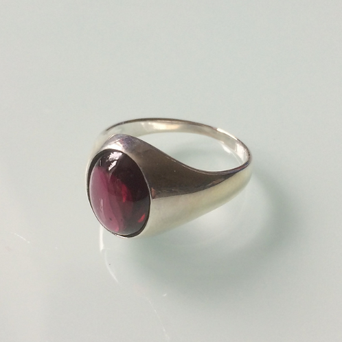 925 Sterling Silver and Garnet Unisex Signet Ring Sizes K - R