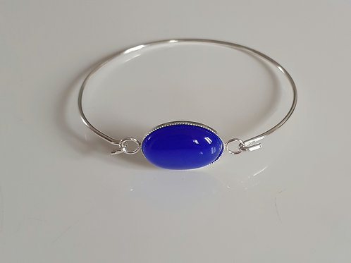 925 Sterling Silver bangle with a milled edge Link with an 18x13mm Cat's Eye
