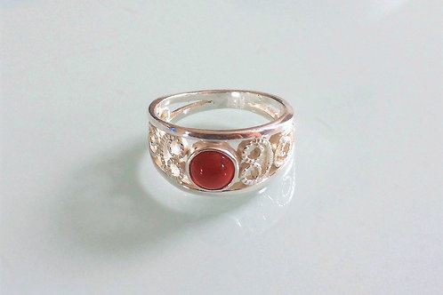 925 Sterling Silver Ladies Scroll Ring set with a Carnelian Cabochon J